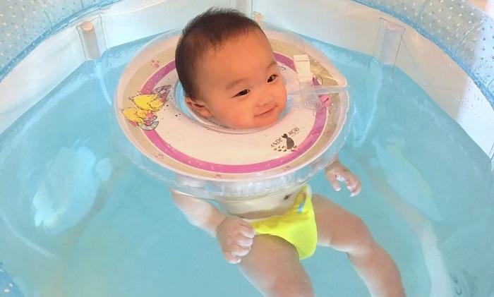Phao bơi trẻ sơ sinh
