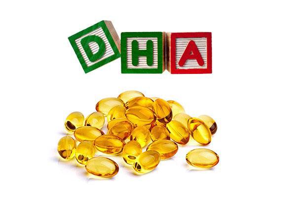 Cho trẻ uống canxi và DHA cùng lúc có được không?
